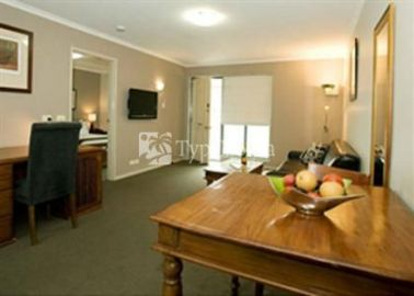 Quality Inn & Suites Menzies 4*