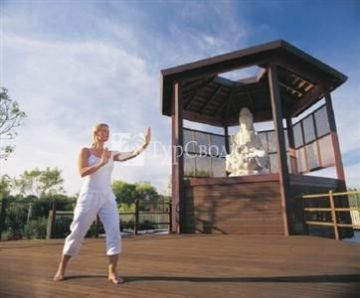 Cable Beach Club Resort & Spa 5*