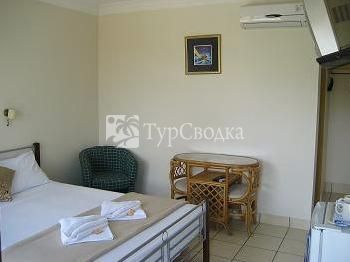 Bilinga Beach Motel 3*
