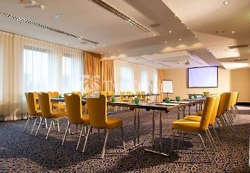 Courtyard by Marriott Wien Messe Hotel 4*