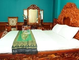 Holiday Hotel Battambang 2*