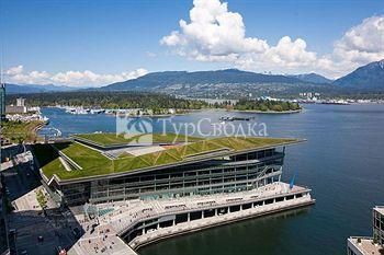 Fairmont Waterfront 4*