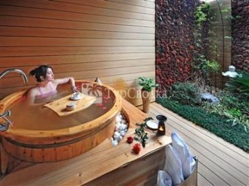 Dino-Valley Hot Spring Holiday Hotel 5*
