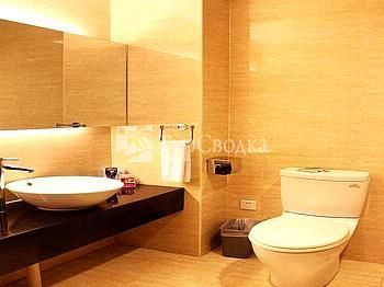 Lee Yue Wan Business Hotel 4*