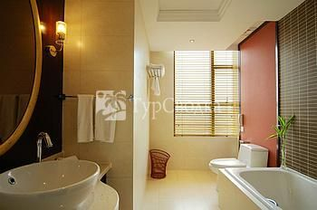 Days Hotel Riverview Hangzhou 4*