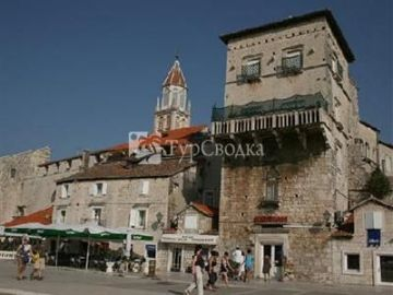 Apartments in Trogir 3*