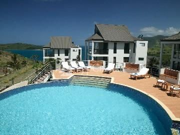 Dreamview Villas 4*