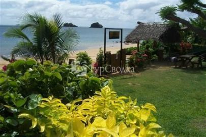 Coconut Grove Beachfront Cottages 3*