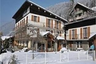 L Ours Blanc Hotel Morzine 2*