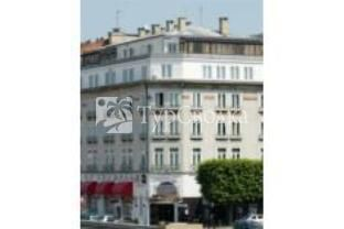 Grand Hotel Troyes 3*