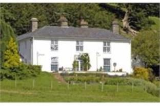 Frondderw Country House 4*