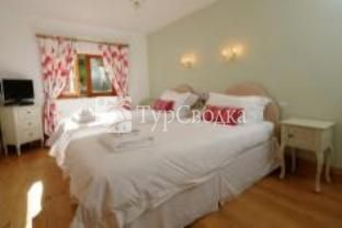 Bodhi House Bed & Breakfast Bath 4*