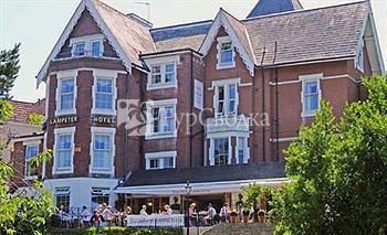 Lampeter Hotel 2*