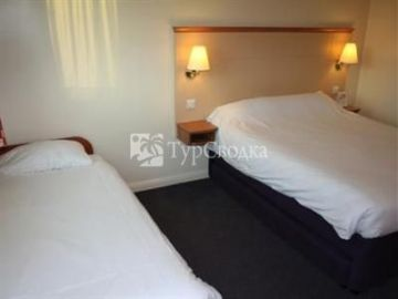 Days Inn M6 Toll Cannock 3*
