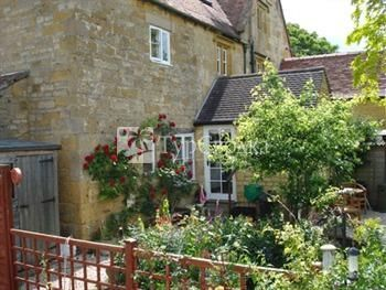 The Old Manor Bed and Breakfast Chipping Campden 4*
