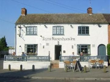 Three Horseshoes Inn 3*