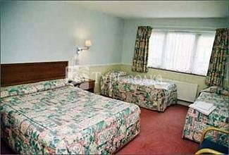 Gatwick Worth Hotel 3*