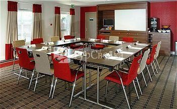 Holiday Inn Express Derby Pride Park 3*