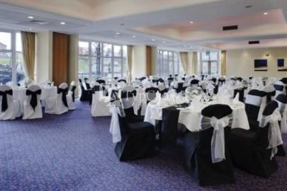 Holiday Inn Ellesmere Port 3*
