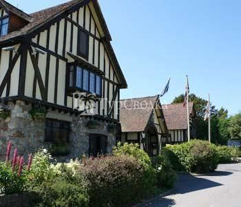 The Horseshoe Inn Herstmonceux 3*