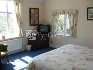 Trumbles Guest House Charlwood Horley 4*