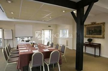 The Bear Hotel Hungerford 3*