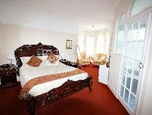 Melverley Guest House 4*