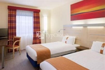 Holiday Inn Express Kettering Corby 2*