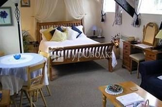 The Old Coach House Bed and Breakfast Lifton 4*