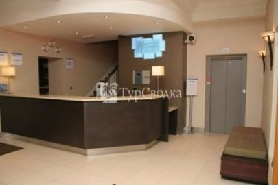 Holiday Inn Express London-Victoria 3*