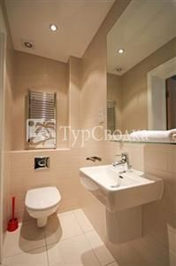 St James House Serviced Apartments London 4*