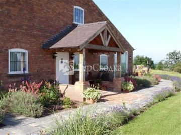Higher Farm Bed & Breakfast Malpas 4*