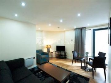Piccadilly Central Apartments 2*