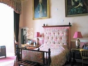 Tower Bed and Breakfast Mold 4*