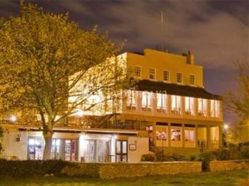 Royal Hotel Purfleet 2*