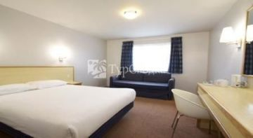 Travelodge Rugeley 2*
