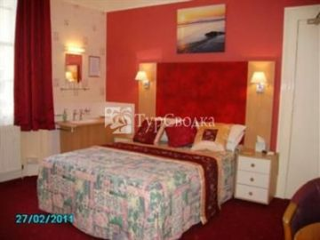 Ashfield Guest House 4*