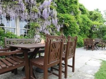 The Pear Tree Inn 5*