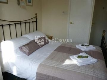 Autumn Leaves Guest House 3*