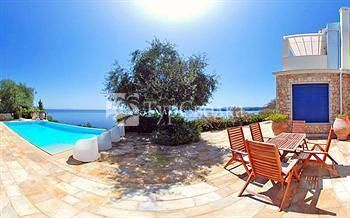 Corfu Luxury Villas Barbati 3*