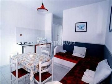 Lenaki Apartments 3*