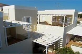 Emilia Luxury Apartments Megas Gialos 3*