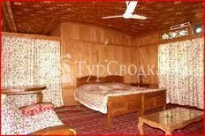 Royal Dandoo Palace House Boat Srinagar 4*
