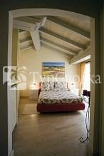 Bombyx Bed & Breakfast 3*