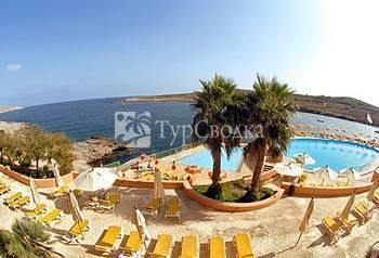 Comino Hotel And Bungalows 4*