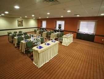 Microtel Inn and Suites Toluca 4*