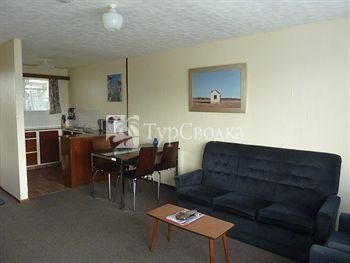 Anchor Motel & Timaru Backpackers 3*