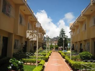 Baguio Holiday Villa Court 2*