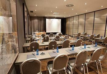 AC Hotel Madrid Feria by Marriott 4*