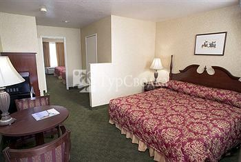 Castle Inn and Suites 3*